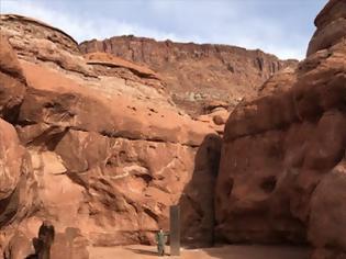 Φωτογραφία για ΗΠΑ: Μυστηριώδης μεταλλικός μονόλιθος εντοπίστηκε στη μέση της ερήμου.. (+vid)