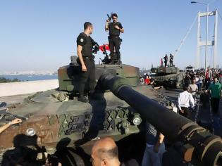 Φωτογραφία για Ισόβια σε 25 πιλότους για το αποτυχημένο πραξικόπημα κατά Ερντογάν