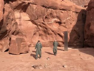 Φωτογραφία για ΗΠΑ: Εξαφανίστηκε ο μυστηριώδης μεταλλικός μονόλιθος στην έρημο της Γιούτα