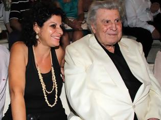 Φωτογραφία για Μαργαρίτα κόρη Θεοδωράκη: Η Πέγκυ Ζήνα με τον άντρα της μου πλήρωσαν το ρεύμα