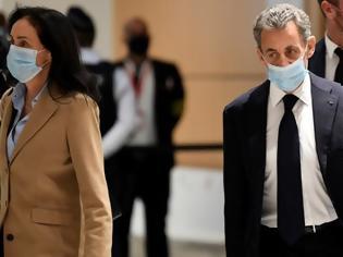 Φωτογραφία για Νικολά Σαρκοζί: Για πρώτη φορά πρώην αρχηγός του γαλλικού κράτους καταθέτει ενώπιον της Δικαιοσύνης