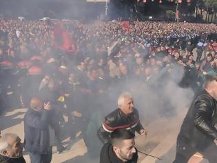 Φωτογραφία για Αλβανία: Παραιτήθηκε ο υπουργός Εσωτερικών μετά τα επεισόδια για τον θάνατο 25χρονου