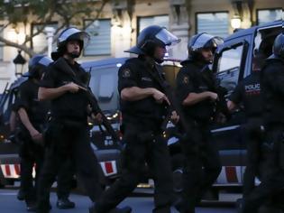 Φωτογραφία για Ισπανία: Δύο άνδρες πουλούσαν ναρκωτικά για να χρηματοδοτήσουν... φυλετικό πόλεμο