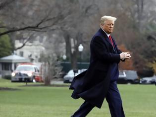 Φωτογραφία για Τραμπ διέκοψε το ταξίδι του στη Φλόριντα και επιστρέφει στον Λευκό Οίκο