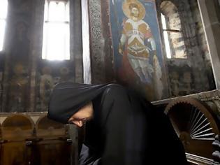 Φωτογραφία για Όσιος Εφραίμ Κατουνακιώτης: Θα λες το: «Κύριε Ιησού Χριστέ, ελέησόν με» αργά και παρακαλεστικά, «κλαψιάρικα»
