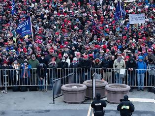 Φωτογραφία για Η εμμονή Τραμπ στην άρνηση της ήττας «έφερε» πλήθος διαδηλωτών στην Ουάσινγκτον