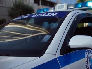 Φωτογραφία για Μενίδι: Σφαίρα καρφώθηκε σε ταξί