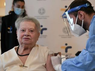 Φωτογραφία για Εμβολιασμοί: Από Δευτέρα τα sms για ραντεβού για τους άνω των 85
