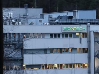 Φωτογραφία για Εμβόλιο κορωνοϊού της Pfizer: Πώς το «deal» για εργοστάσιο στη Γερμανία «έφερε» 300 εκατ. δόσεις στην ΕΕ