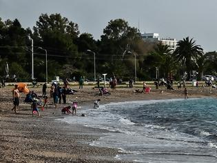 Φωτογραφία για Καβούρι- Βουλιαγμένη: Ποιο lockdown; - Χαμός στις παραλίες  Fotos