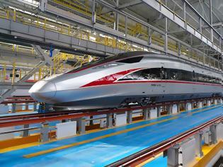Φωτογραφία για Η Κίνα παρουσίασε ένα νέο τρένο υψηλής ταχύτητας που έχει σχεδιαστεί για εξαιρετικά κρύα κλίματα.