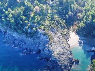 Φωτογραφία για Αυτή η εξωτική παραλία στην Εύβοια είναι σαν παράδεισος (βίντεο)