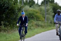 Η αστυνομία βγάζει «καθαρό» τον Τζόνσον για την ποδηλατάδα 11 χλμ μακριά από τη Ντάουνινγκ Στριτ