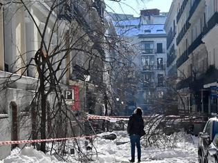 Φωτογραφία για Τι Σιβηρία, τι Ισπανία: Χάος από τον χιονιά του αιώνα - Τους -25 βαθμούς έδειξε ο υδράργυρος