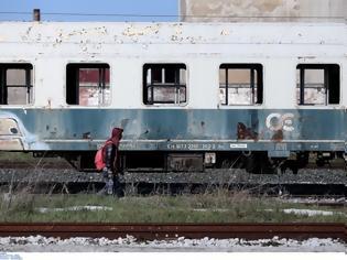 Φωτογραφία για «Να απομακρυνθούν τα ακινητοποιημένα βαγόνια στη Λάρισα».