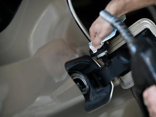 Φωτογραφία για Στην τσιμπίδα της ΑΑΔΕ διεθνές κύκλωμα νοθείας βενζίνης με «έξυπνη φόρμουλα»