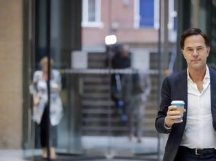 Φωτογραφία για Ολλανδία: Παραιτήθηκε η κυβέρνηση Ρούτε μετά το σκάνδαλο για τα οικογενειακά επιδόματα