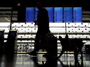 Φωτογραφία για Απίστευτη υπόθεση: Ζούσε κρυφά σε αεροδρόμιο επί τρεις μήνες γιατί φοβόταν να πετάξει λόγω κορονοϊού