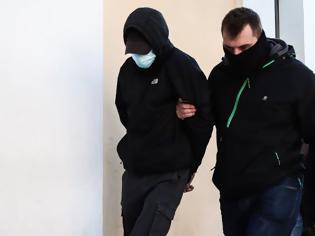 Φωτογραφία για Ξυλοδαρμός σταθμάρχη: «Μισή» μεταμέλεια από τους δύο ανήλικους - Επιμένουν ότι τους προκάλεσε ο 53χρονος