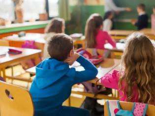 Φωτογραφία για Έρευνα: Τα παιδιά του Δημοτικού έχουν μόλις το 1/16 του ιικού φορτίου των 80άρηδων