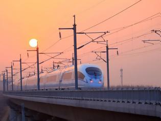 Φωτογραφία για Οι σιδηροδρομικές γραμμές υψηλής ταχύτητας της Κίνας θα επεκταθούν στα 70.000 χλμ το 2035.