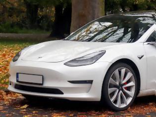 Φωτογραφία για Μείωση τιμών της Tesla στην Ευρώπη για το Model 3