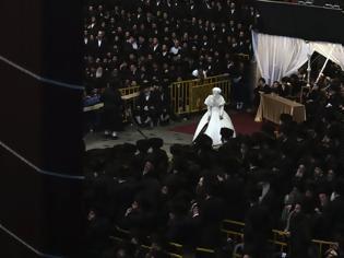 Φωτογραφία για Χαμός σε γάμο χασιδιστή στο Μπρούκλιν