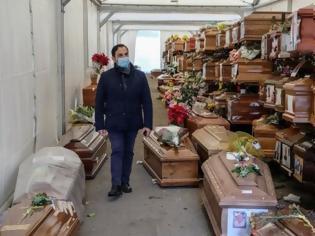 Φωτογραφία για Σοκάρουν οι εικόνες από το Παλέρμο - 700 νεκροί άταφοι - Γέμισαν τα νεκροταφεία