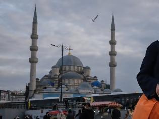 Φωτογραφία για Τούρκος δημοσιογράφος για την κατάσταση στη χώρα του: «Επιστροφή στον Μεσαίωνα»