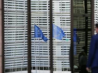 Φωτογραφία για «Σφυροκόπημα» για τα εμβόλια στην ΕΕ: Στο στόχαστρο η φον Ντερ Λάιεν