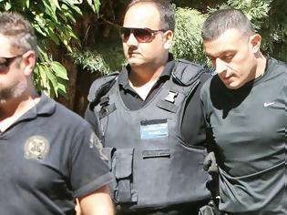 Φωτογραφία για Αλκέτ Ριζάι - Η απολογία του νο1 καταζητούμενου συνοδηγού του: Δεν έχω σχέση με τη δολοφονία στη Γλυφάδα