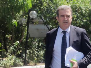 Φωτογραφία για Χρυσοχοΐδης μετά από σύσκεψη στο Μαξίμου: «Κερδίζουμε τον πόλεμο. Το Πάσχα θα κάνουμε Ανάσταση»