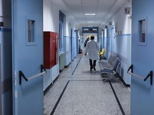 Φωτογραφία για Σκηνές ροκ στο νοσοκομείο «Άγιος Ανδρέας» της Πάτρας: Γιατροί «έπαιξαν» ξύλο – «Έφευγαν» μέχρι και σκαμπό