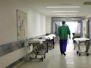 Φωτογραφία για Κέρκυρα: Συνεχείς οι εξετάσεις για τον γιατρό που παρουσίασε πρόβλημα στα κάτω άκρα μετά το εμβόλιο