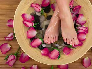 Φωτογραφία για Ποδόλουτρο με άλατα epsom για τα προβλήματα των ποδιών μας