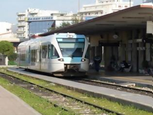 Φωτογραφία για Πάτρα: Πάγωσαν οι μπάρες του τρένου στην Κανελλοπούλου και δεν κατέβαιναν.