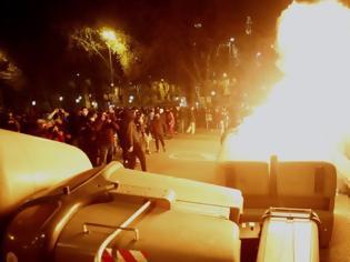 Φωτογραφία για Φυλάκιση Πάμπλο Χασέλ: Για τέταρτη νύχτα ταραχές στην Καταλονία
