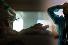 Εφιαλτική αύξηση με 2.147 κρούσματα σήμερα. 357 ασθενείς στις ΜΕΘ και 22 θάνατοι - Επίθεση με ρεκόρ στην Αττική