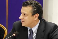 Δερμιτζάκης: Παράταση lockdown για 2 εβδομάδες. Η πρόταση για «έξυπνα» μέτρα