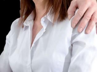 Φωτογραφία για Λαμία: Σύλληψη εργοδότη για σεξουαλική παρενόχληση σε νεαρή υπάλληλο