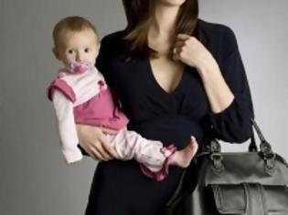 Φωτογραφία για Πώς μπορούν να βγουν νωρίτερα στη σύνταξη οι μητέρες ανηλίκων