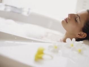 Φωτογραφία για Ζεστό μπάνιο: Τα οφέλη του για τον μεταβολισμό και την υγεία