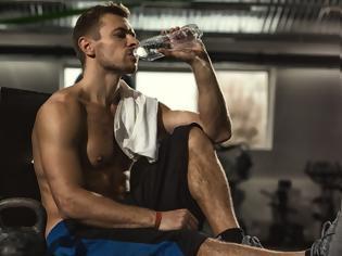 Φωτογραφία για Γιατί πρέπει να πίνεις νερό με άδειο στομάχι;