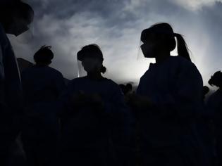 Φωτογραφία για Παγκόσμια Ημέρα της Γυναίκας: Οι γυναίκες πρωταγωνιστούν στη μάχη κατά της covid-19