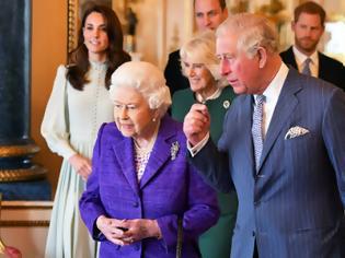 Φωτογραφία για Σε δίνη το βρετανικό παλάτι - Η Ελισάβετ αρνήθηκε να υπογράψει ανακοίνωση-απάντηση σε Μέγκαν Μαρκλ και Χάρι