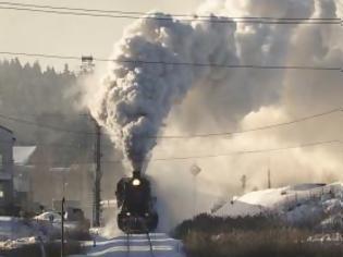 Φωτογραφία για Μια υπέροχη διαδρομή με τρένο στα χιονισμένα τοπία της Ρωσίας.