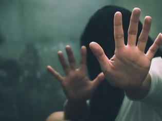 Φωτογραφία για Γαλλία: Συγκλονίζει η υπόθεση του ομαδικού βιασμού της Ζιλί