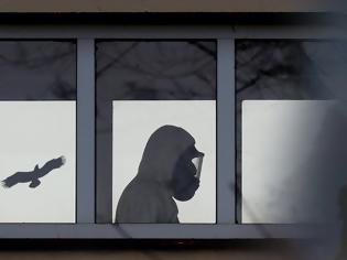 Φωτογραφία για Κορονοϊός: Γιατί οι ηλικιωμένοι κινδυνεύουν πολύ περισσότερο να κολλήσουν πάλι