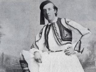 Φωτογραφία για Είναι παγκοσμίου φήμης συγγραφέας που μιλούσε αρχαία Ελληνικά - Φωτογραφήθηκε με φουστανέλα στην Αθήνα το 1877