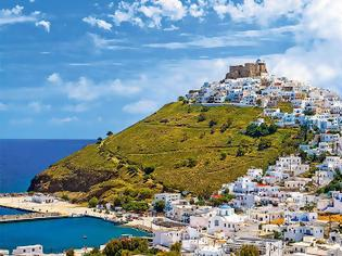 Φωτογραφία για Der Spiegel: «Ήλιος, θάλασσα και καθόλου Covid» στα μικρά ελληνικά νησιά